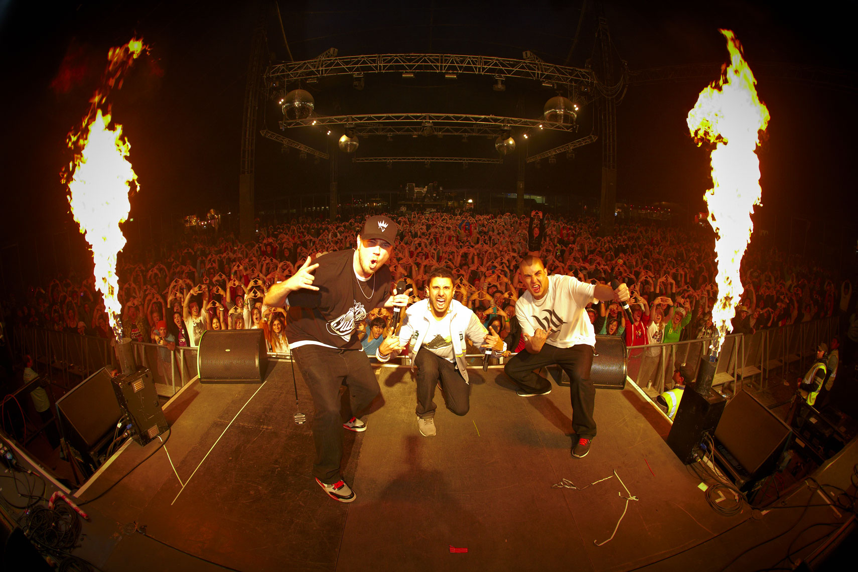 BLISS N ESO SPLENDOR IN THE GRASS.jpg